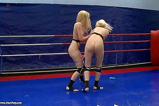 Antonya and Sophie Moone licking after catfight