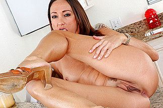 Michelle Lay & Rocco Reed in My Friend's Hot Mom