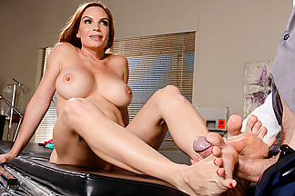 Diamond Foxxx & Ryan Ryder in Doctor Feet Fucker - Brazzers