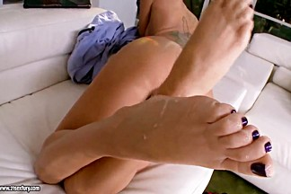 Sweet babes get cumshots on well-groomed feet