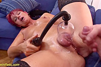moms extreme anal and pumping lesson