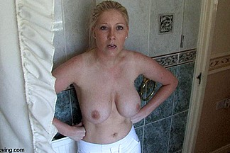 Naked busty demonstrates her perfect body in the bathroom