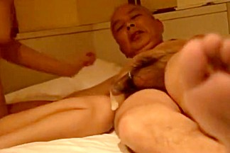 Mature asian couple makes a sextape on opera music