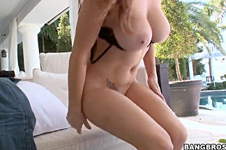 Milf Allison Moore prepares herself for ass fuck