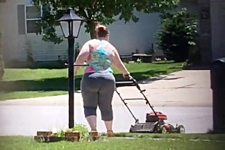 BBW mowing in Yoga pants