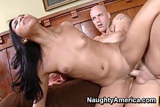 Emy Reyes & Derrick Pierce in Latina Dultery