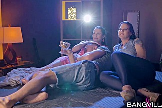Lilu4u , Simony Diamond In Movie Night