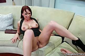 Nicki Hunter & Johnny Castle in Seduced by a Cougar