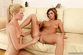 Sophie Moone is teaching her girlfriend how to use toys