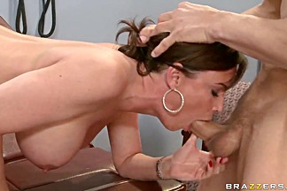 Chris Johnson fucks busty milf Diamond Foxxx