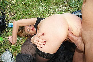 Public blow job job from a girl