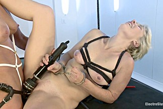 Lexi LaRue & Ariel X in New Girl Takes Electricity Live In Her First Ever Porn - Electrosluts