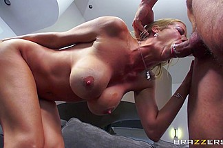 Alexis Fawx & Danny Mountain in That Touch of MILF - Brazzers
