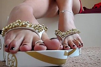Sexy Flip Flops and Amazing Feet