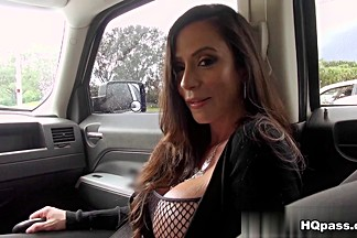 Levi Cash, Ariella Ferrera in So fine Movie