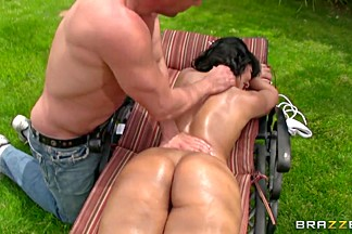 Rose Monroe is massaged well by Toni Ribas