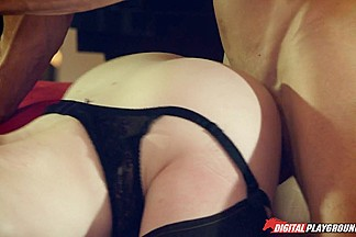 Stoya & Johnny Sins in My Haunted House, Scene 3