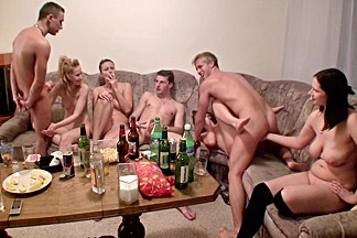 Dana & Janet Haven & Kristine Crystalis & Sonja in video of a college orgy with lots of hot chicks