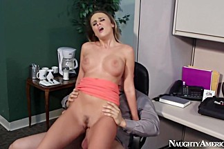 Alexis Adams & Giovanni Francesco in Naughty Office