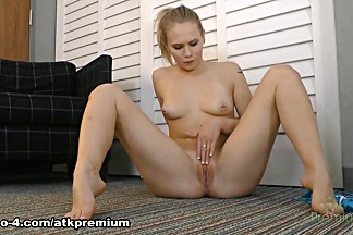 Horny pornstar Dakota James in Hottest Solo Girl, Big Ass porn clip