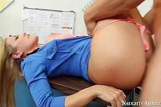 Capri Cavanni & Johnny Castle in Naughty Office