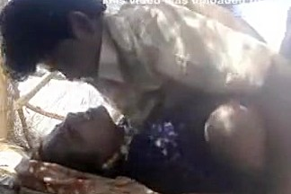 Bhabhi With Secret Lover Having Hard Fuking Show In Outdoor