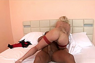 Glamorous Cindy Dollar fucks with new boyfriend
