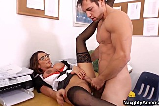 Ariella Ferrera is a sex teacher for Johny Castle