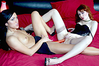 Mandy More & Ivy in Redhead Minx Ivy Seduces Lesbian Mandy More - BestGonzo