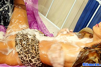Kitty Jane abd Alyssia Loop cum drenched