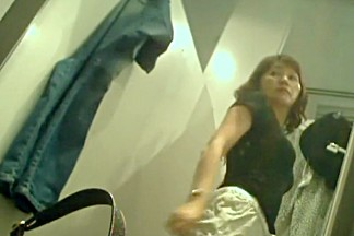 Chinese milf spied in the dressing room
