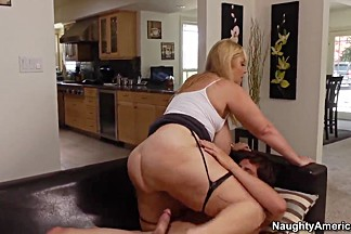Blonde MILF Samantha 38g fucks with a younger dude