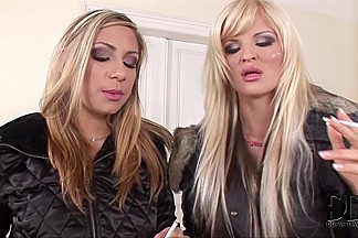 DdfNetwork Video: Hotties On The Stroll